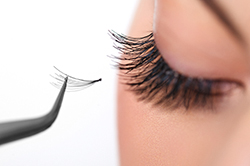 Victoria School of Beauty-Eye Lash Extensions